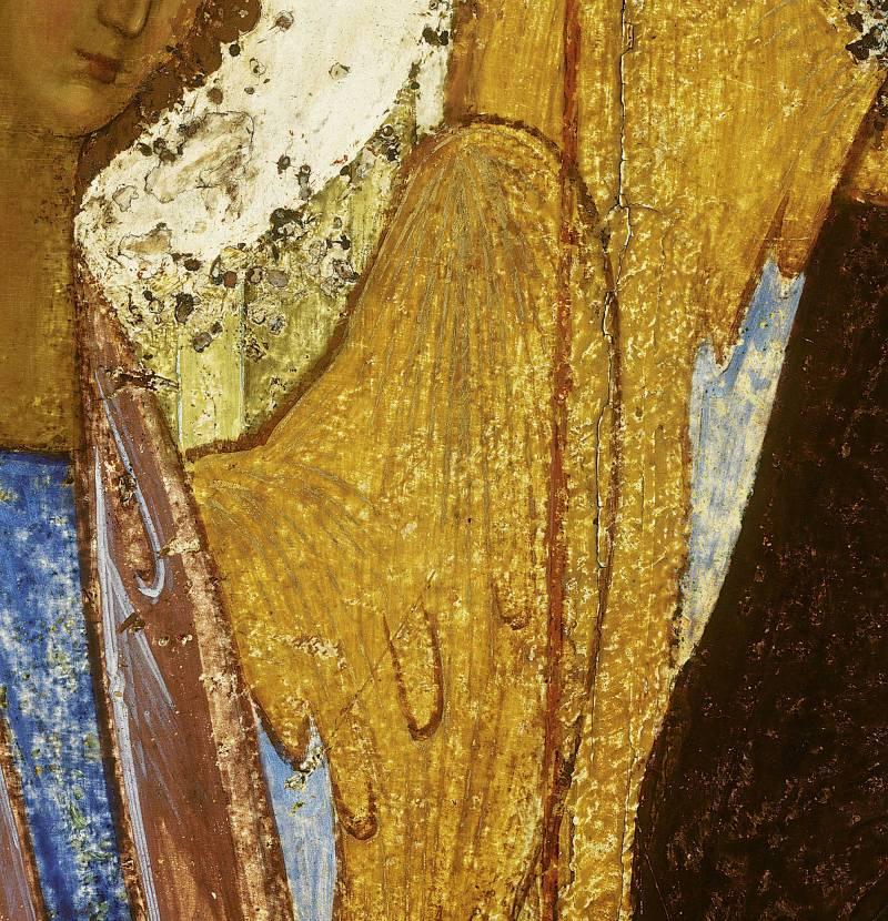 Крылья и фрагменты одеяний левого и среднего ангелов