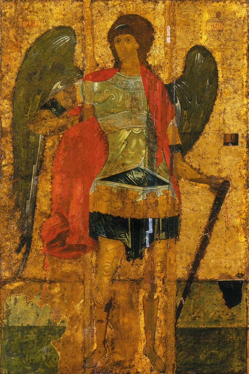 Фигура архангела Михаила