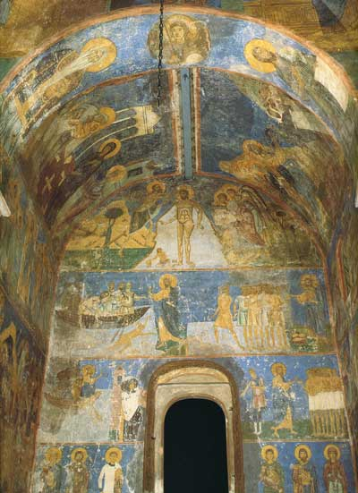 Фрески в южной части храма