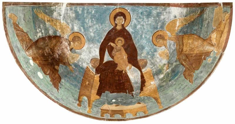 Богоматерь на престоле, с архангелами Михаилом и Гавриилом