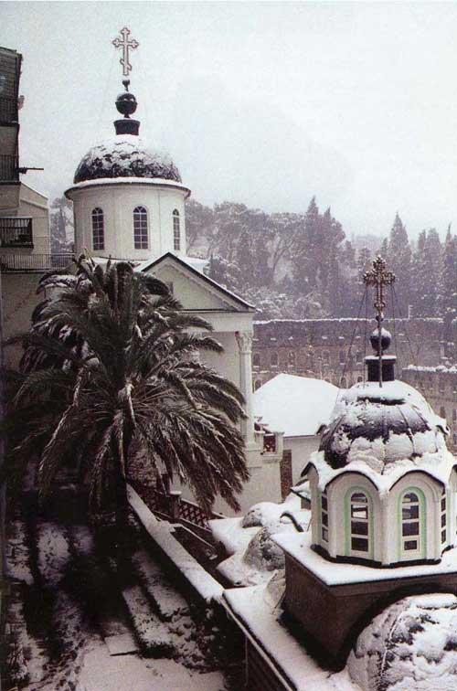 Свято-Пантелеимонов монастырь. АфонСнежная зима 2001 года