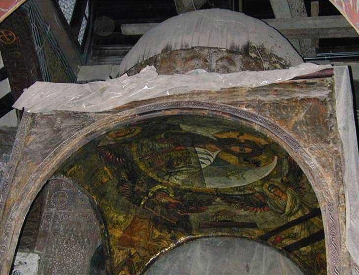 Напрестольная сень алтаря Иоанна Предтечи(в процессе реставрации)
