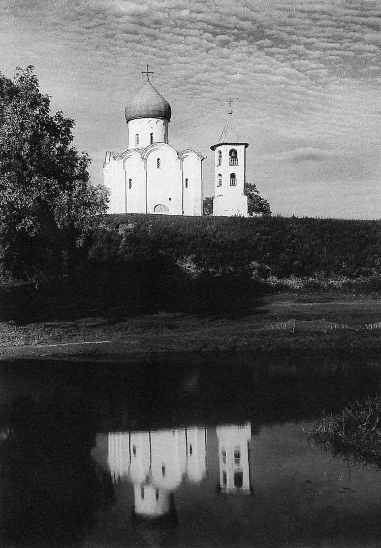 Церковь Спаса на Нередице, Новгород. 1198. Вид с западной стороны