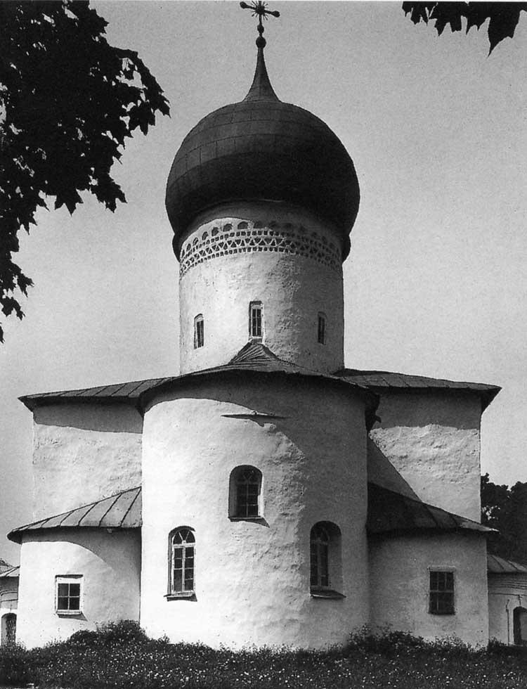Собор Рождества Богородицы в Снетогорском монастыре. Псков. 1310. Вид с восточной стороны