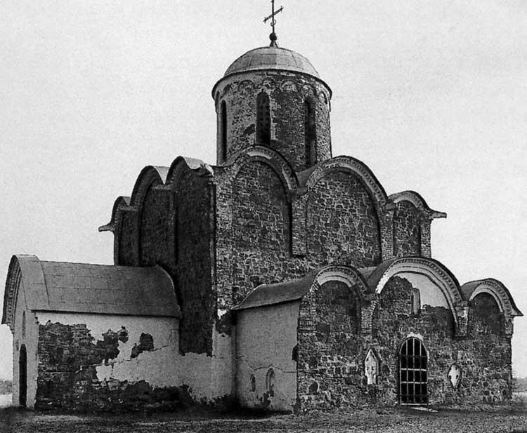 Церковь Спаса Преображения на Ковалеве, Новгород. 1345. Вид с юго-западной стороны