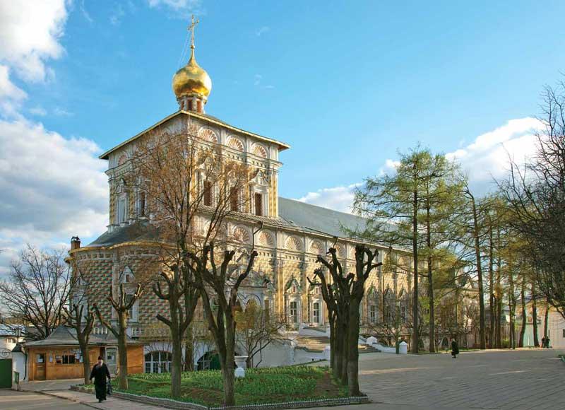 Церковь во имя преподобного Сергия Радонежского с трапезной палатой. 1686–1692Фотография. 2013