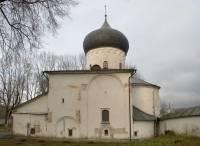 Спасо-Преображенский собор Мирожского монастыря. Вид с юга
