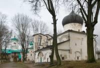 Мирожский монастырь. Вид на монастырский комплекс с юго-запада